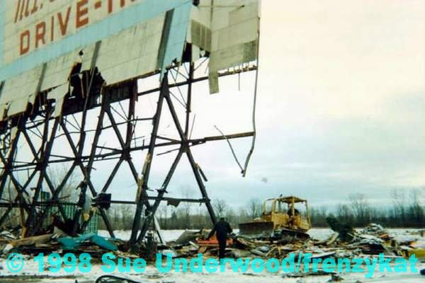 Mt Clemens Drive-In Theatre - DEMO BY SUE UNDERWOOD