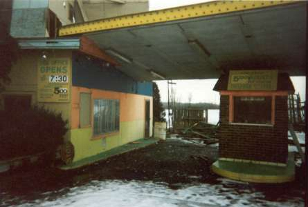 Mt Clemens Drive-In Theatre - TICKET BOOTH - PHOTO FROM RG