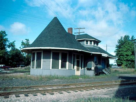 SOUTH LYON DEPOT LATE 1970S FROM CHARLIE WHIPP